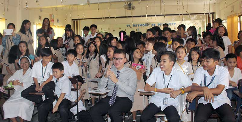 Students fill one of the classrooms at Dominican School of Angeles City. A second building will be erected to accommodate the students and allow the school to add grades 11 and 12.